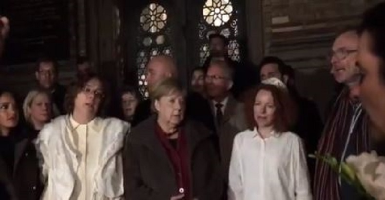 Angela Merkel à la synagogue de Berlin